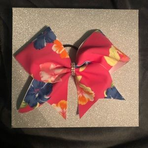 Cheerleading Bows— 1 for 20$ or two for 37$